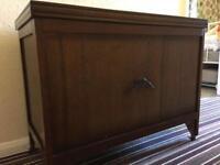 Bedding chest / storage chest on castors