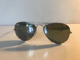 fbd9205715 Gucci ladies black sunglasses with box