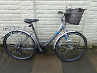 ladies hybrid aluminium bike with baket, new lights, ready to ride can deliver *d-lock available