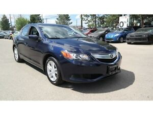 2013 Acura ILX 4 cylinder,5 speed auto, power moon roof