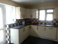 1 Double bedroom TO LET in ilford, close to station