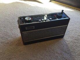 vintage Roberts radio R600 LW MW FM GWO sounds fantastic