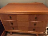 Classic chest of drawers - good condition - quick sale