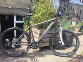Mountain bike; Men's Mongoose Tyax; size M