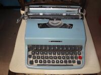 Olivetti Lettera 32 (made in Italy) Typewriter