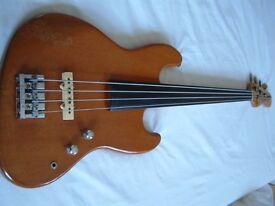Fender hybrid fretless active electric bass guitar - Circa 1979