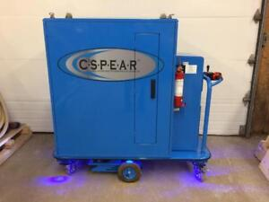 Cabinet de serveur mobile réfrigéré C3 SPEAR -- C3 SPEAR cooled motorised server cabinet