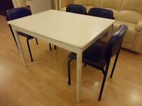 wooden kitchen / dining extendable table £20 ono