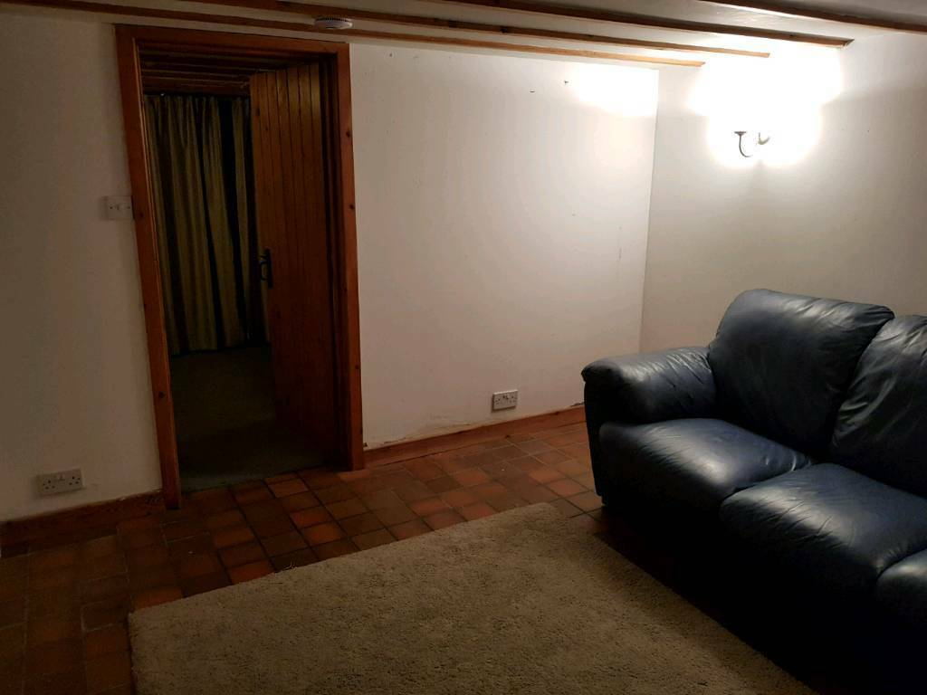 Double room with private living room in shared house BILLS INCLUDED