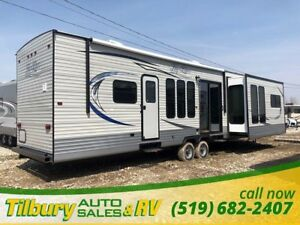 2019 HY-LINE HY42 IKEB Great Park Model! Residential feel. Gorge