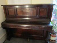 Upright Piano - Steinbach Berlin