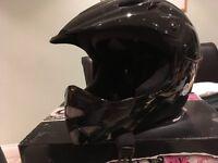 Cre 8 Full face helmet suitable for downhill bikes or skate boarding