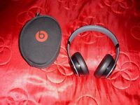 Beats by Dre Solo 2 Wireless headphones