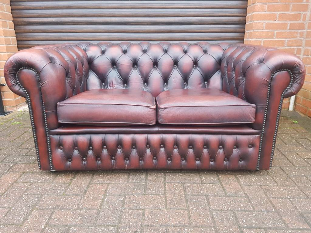 Chesterfield genuine oxblood leather 2seater sofa in EXCELLENT