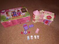 Hello Kitty House with box