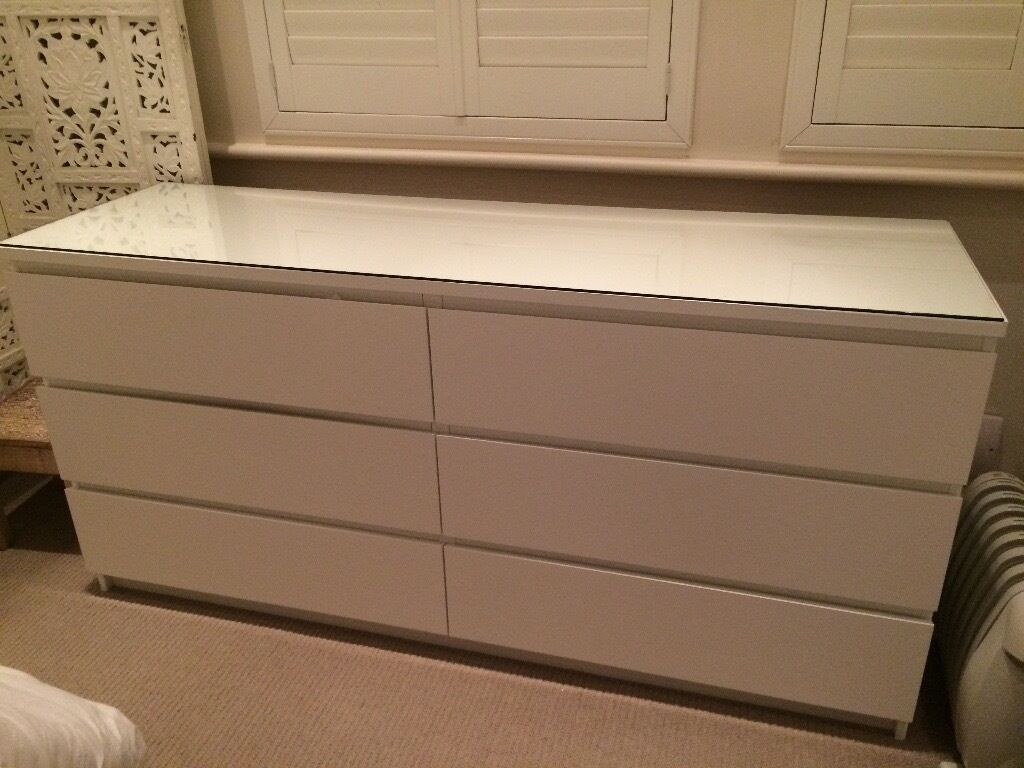 ikea malm 6 drawer chest of drawers with glass top in chiswick london gumtree. Black Bedroom Furniture Sets. Home Design Ideas