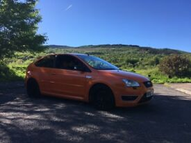 Ford Focus st2 orange
