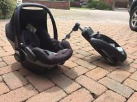 Maxi cosy Pebble car seat and Easybase set RRP £300