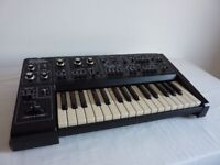 Roland SH1 synthesiser in excellent serviced condition