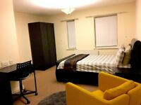 Very spacious large ensuite double room - all bills included