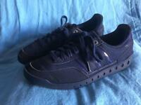 Adidas Trainers Size 7.5.