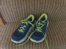 Ladies running trainers - size 3