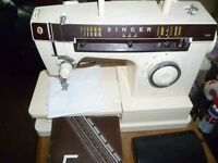 Singer sewing machine with decorative stitches Model 7105