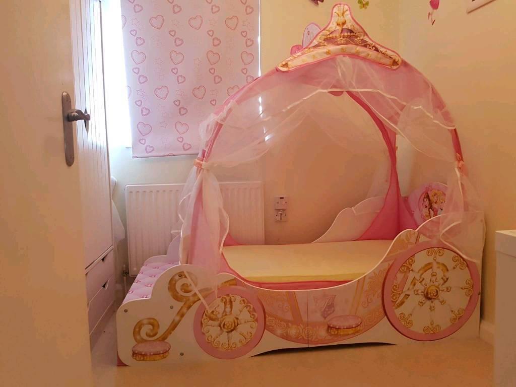 Princess carriage toddler bed - Disney Princess Carriage Toddler Bed As New