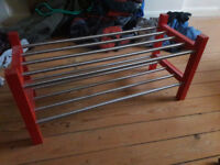 Shoe shelf red and metallic for free