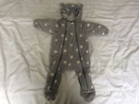 GORGEOUS GREY SOFT FEEL QUILTED SNOWSUIT FROM MARKS AND SPENCER WITH INTEGRATED MITTENS. 0-3 MONTHS.