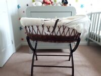 Izzywotnot Moses Basket With Stand