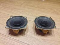 2x MG ZR rear speakers