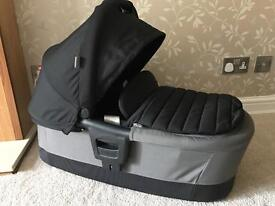 Britax Affinity carrycot / pram attachment, Black Thunder, only used 5-6 times