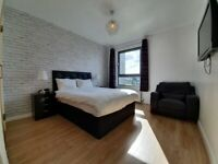 3 bedroom home from home holiday let long term / short term ***all bills included***