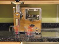 NORWALK JUICER - FRUIT & VEGETABLE JUICER - HYDRAULIC COLD PRESS
