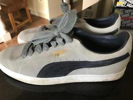Men's authentic Puma trainers... nearly new!