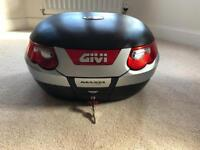 Givi Maxia E55 (55L) Top Box with Universal Mounting Plate