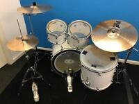 Mapex Horizon drum kit Paiste cymbals (black panther snare)