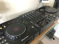 Pioneer CDJ 1000 MK3 (pair) & Mixer