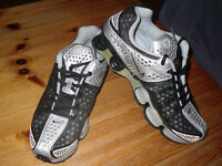 NIKE SHOX BLACK & SILVER TRAINERS SIZE 8.5 NEW.