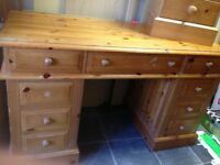 9 DRAWER CHUNKY SOLID PINE DESK MUST BE SEEN !!!!