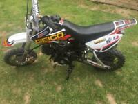 Small wheeled 110 Pitbike with clutch