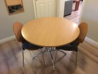Round Dinning Table and Chairs