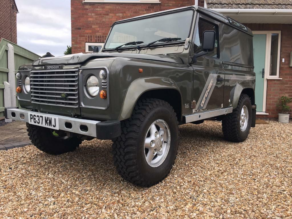 defender 90 300tdi county metallic willow green in grimsby lincolnshire gumtree. Black Bedroom Furniture Sets. Home Design Ideas