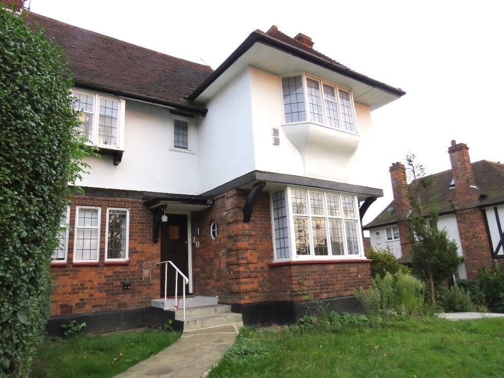 3 bed maisonette to rent in Ossulton Way, Hampstead Garden Suburb N2 £2513pcm