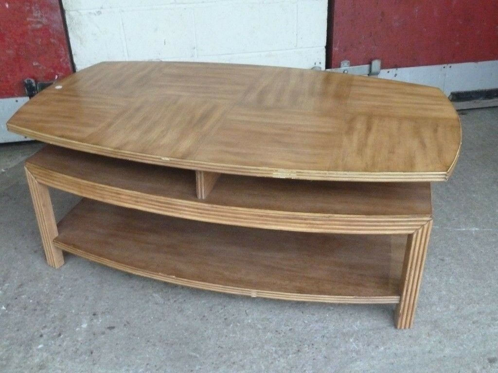 Large Heavy Wooden Coffee Table Delivery Available Aw040 20 In