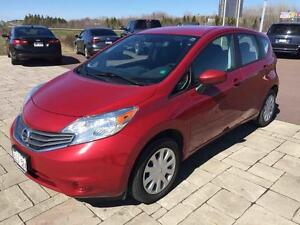 2015 Nissan VERSA NOTE SV Automatic! One Owner! Fuel efficient!