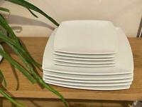 10 square plates: 5 big and 5 small