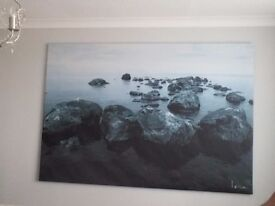 Canvas in black and white of a beach scene