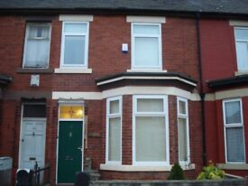 Double bedroom available within a 5 Bedroom Property on Pembroke Street. Bills Included.